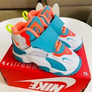 New Nike Speed Turf sneakers (8C)